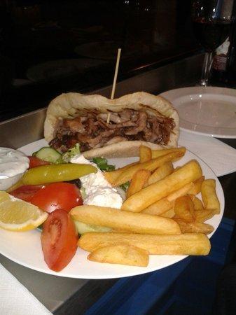 Pitta and Dips Cafe: Gyros kebab