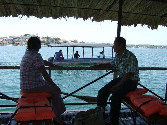 Historic Round Trip Tzimin Chac: Auf dem Boot vor der Insel Flores