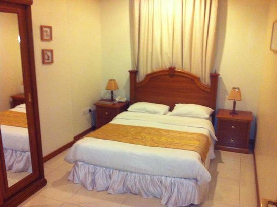 Addar Hotel: The bedroom was small but perfectly adequate, and the bed very comfortable