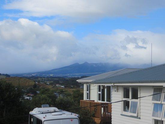 16 ฮาเวล็อค: Mount Egmont from 16 Havelock Rd