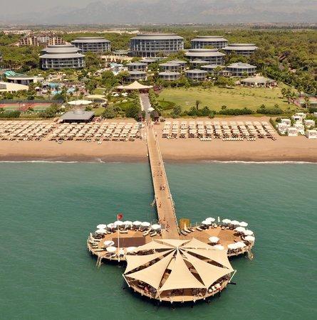 Calista Luxury Resort: Beach Exterior View