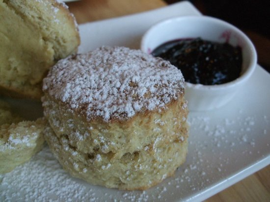 Fernroyd House B&B: The best scones EVER!