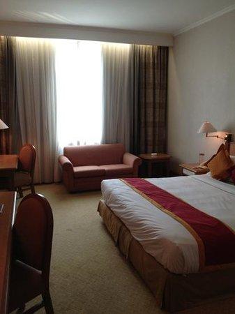 Hotel Menara Peninsula: Nice spacious room