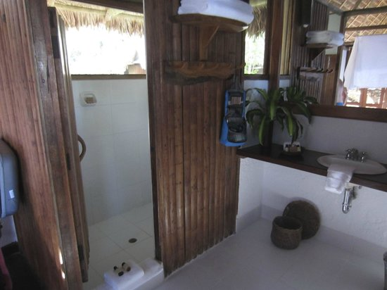 Inkaterra Reserva Amazonica: shower and sink, recycled accessories bottles