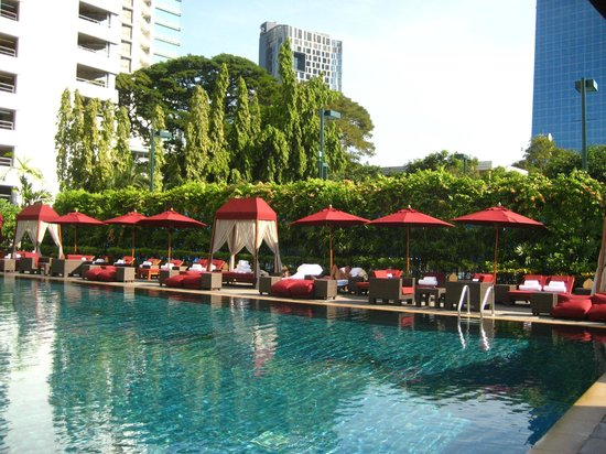 The Sukhothai Bangkok: the pool!