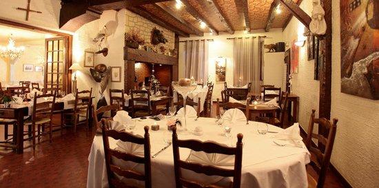 Deshors Foujanet: Restaurant