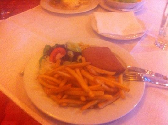 Pizzeria Romantica : fried cheese-ham with fries & salad and not to forget to order the tatarska omacka