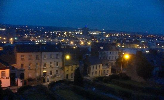Parkview Bed and Breakfast: View of Cork at Dawn