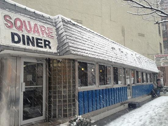 Square Diner : a warm welcome from out of the snow