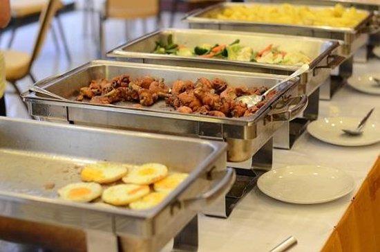 The Ecotel Bangkok: Breakfast buffet