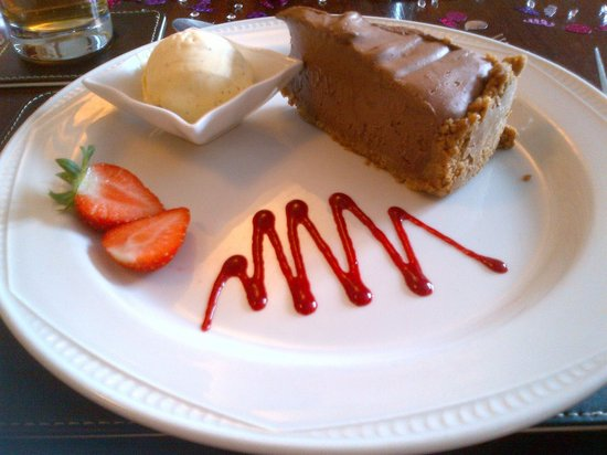The Windmill at Badby: Ginger & Chocolate cheesecake