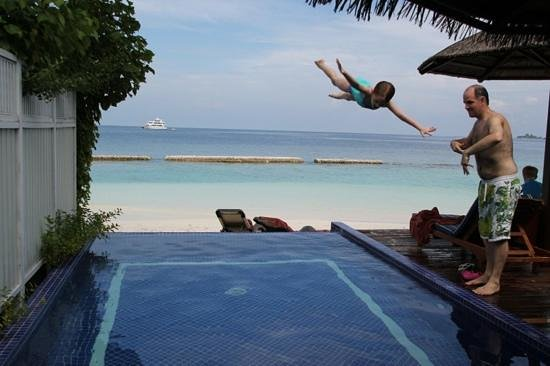 Centara Grand Island Resort & Spa Maldives: pool beach villa
