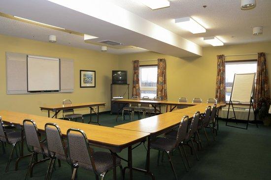 Super 8 Ajax/toronto on: Meeting Room