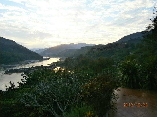 Sanctuary Pakbeng Lodge: another mekong view