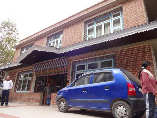 Kun Dau Residency: hotel from outside