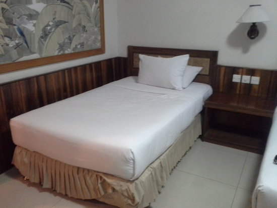 Sunrise Beach Hotel: Bedroom