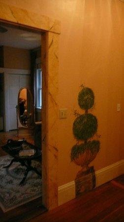 Spring Seasons Inn & Tea Room: Cute wall paintings