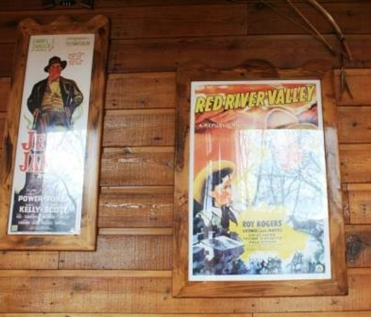 Rocking Horse Ranch Resort: Western decorations - almost no kitch or camp