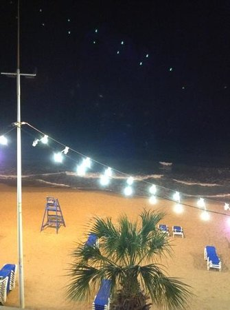 Hotel Bilbaino: uitzicht bij nacht over het strand