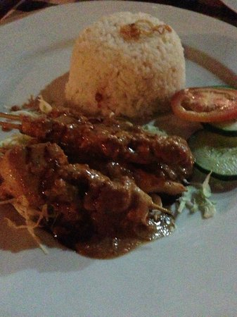 Agung Trisna Bungalows: Chicken Sate