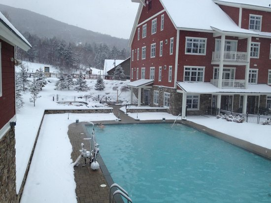 Clay Brook at Sugarbush: Heated outdoor pool
