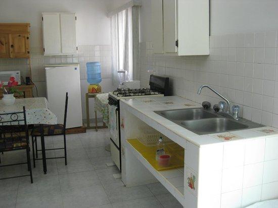Hotel Brennan: Küchenzeile