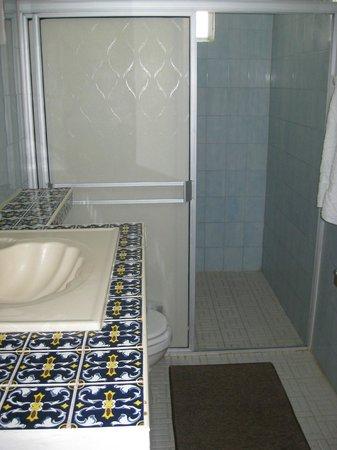 Hotel Brennan: Dusche