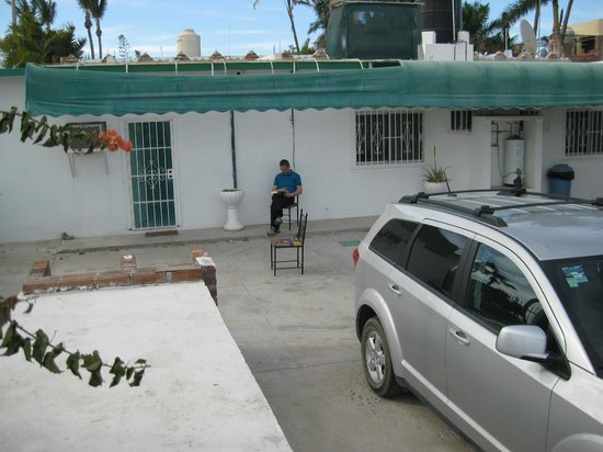 Hotel Brennan: Innenhof vor der Suite