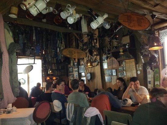 Waldschenke am Baa-See: In der Hütte