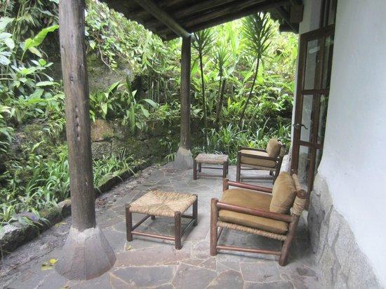Inkaterra Machu Picchu Pueblo Hotel: outside veranda at suite 18