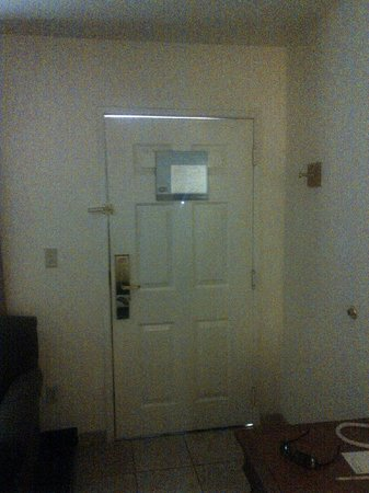 Red Lion Inn & Suites Phoenix-Tempe: Room door