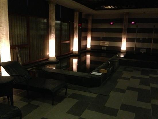 Fullon Hot Spring Resort Danshuei: 男裸湯大眾池