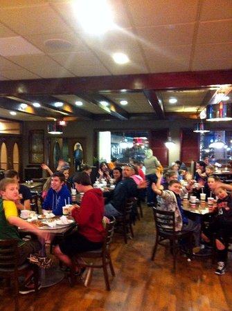 Brooklyn pizzeria italian restaurant 1015 cosby hwy in for Dining in newport tn