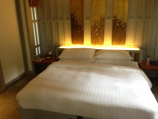 The Surin Phuket: Comfy  bed