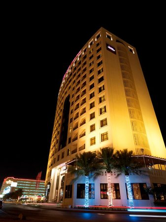 Mercure Grand Hotel Seef : Hotel Building