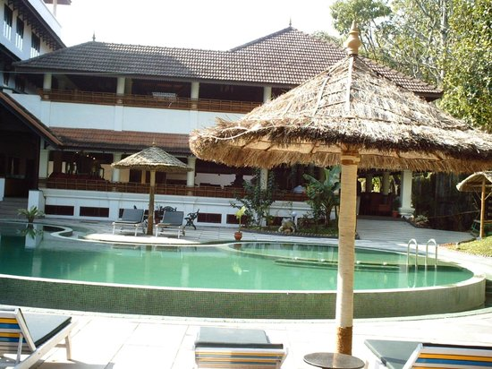 The Elephant Court Thekkady: piscina