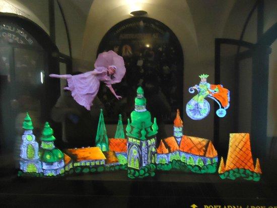 Ta Fantastika Black Light Theatre: The only black light moment of the show