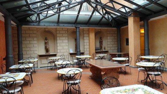 Hotel Alba Palace: Salle pour le petit déjeuner