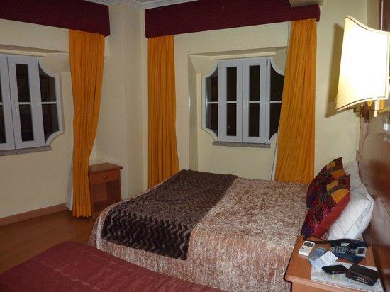 Solneve Hotel : Corner Room
