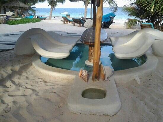 Waterlovers Beach Resort : bar