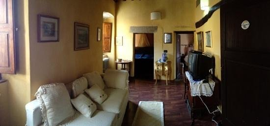 Lanciole, Italien: TV room