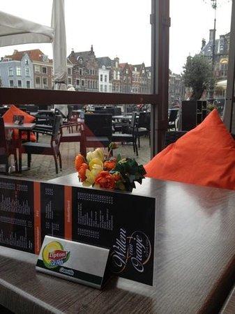 Grand Cafe Willem van Oranje : outside