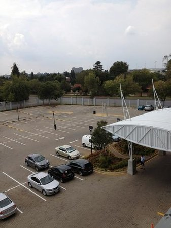 Protea Hotel by Marriott O.R. Tambo Airport: parking