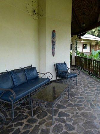 Heliconia Island Bed & Breakfast: Sitzbereich