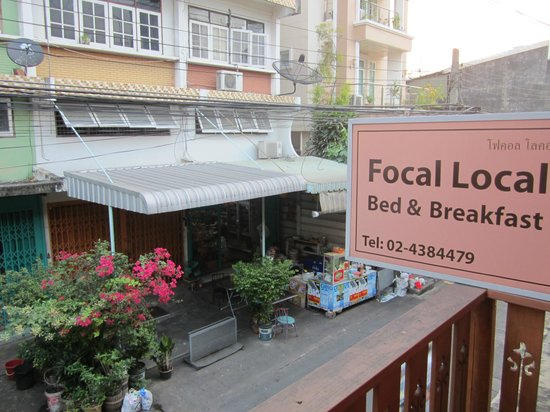 Focal Local Bed and Breakfast : Window view