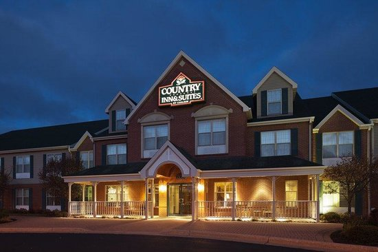 Country Inn & Suites By Carlson, Wausau: CountryInn&Suites Wausau ExteriorNight