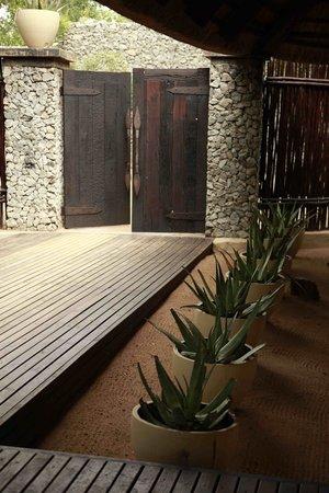 andBeyond Ngala Safari Lodge: Entrance to Boma