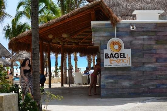 Sandos Playacar Beach Resort: Bagel beach