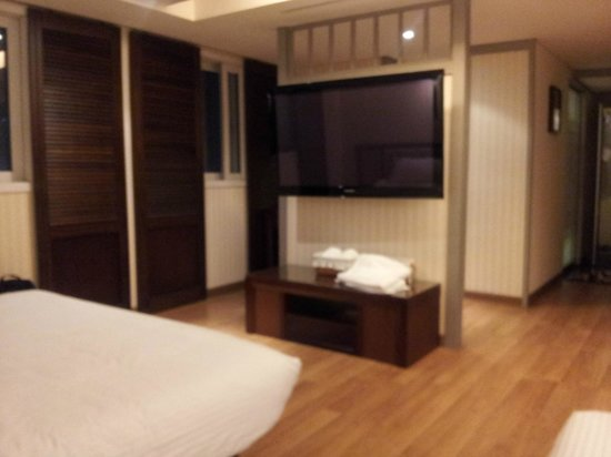 Hotel Press: tv