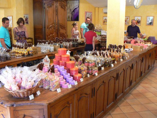 The Frogs' House : Sweets at the Florian factory in Le Pont du Loup - 06140 - Tourrettes-sur-Loup